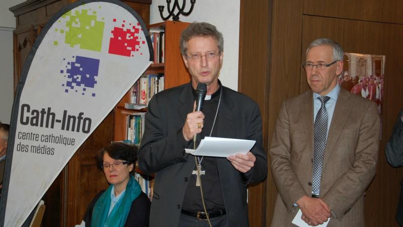 Einweihung von Cath-Info in Lausanne: Medienbischof Alain de Raemy und Direktor Bernard Litzler  | © 2015 Jacques Berset