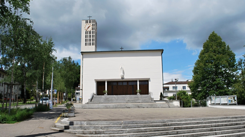 Katholische Kirche Maria Lourdes in Zürich-Seebach | © 2013 Barbara Ludwig