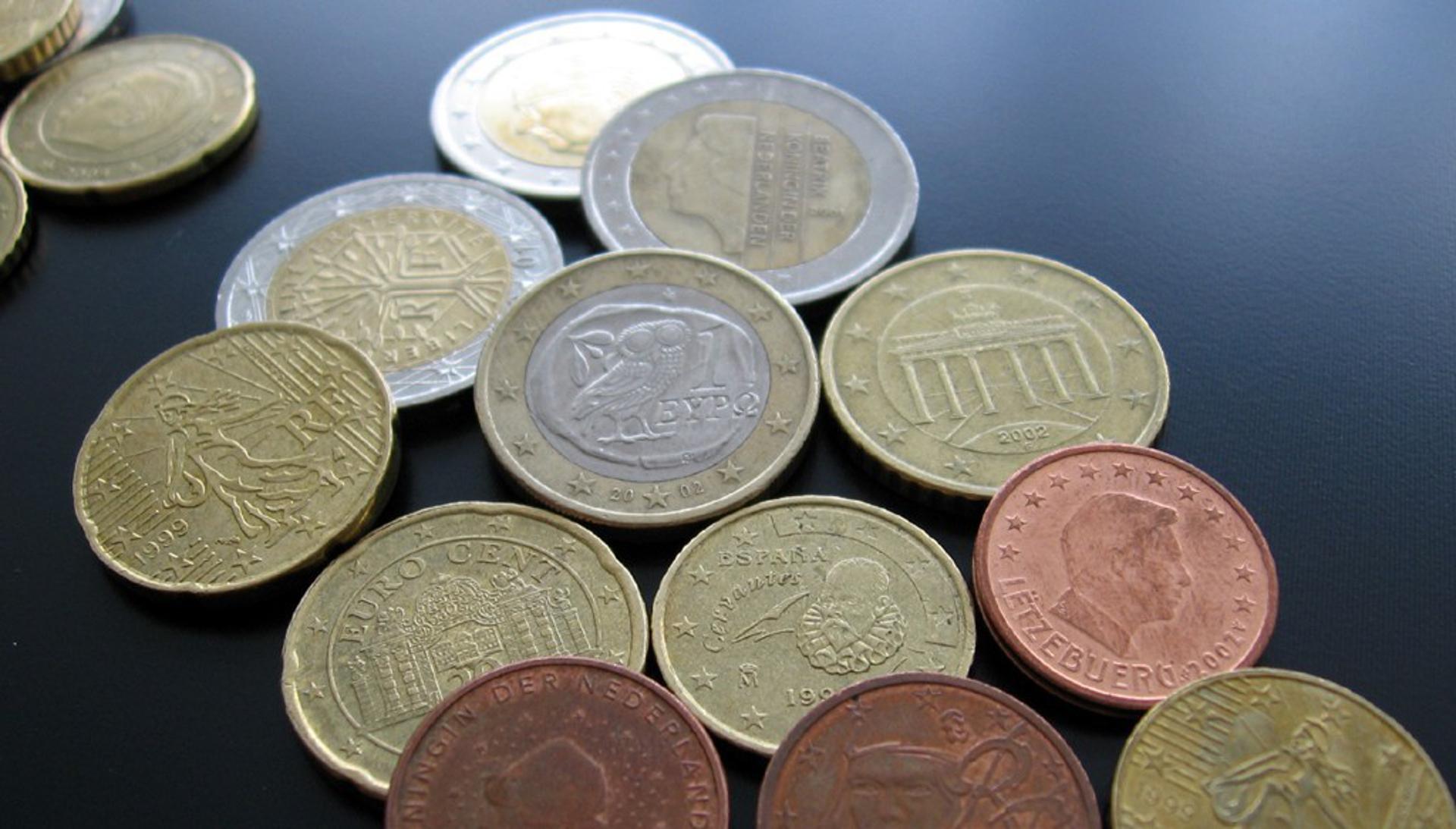 Ab März Vatikanische Euro Münzen Ohne Bild Von Papst Franziskus