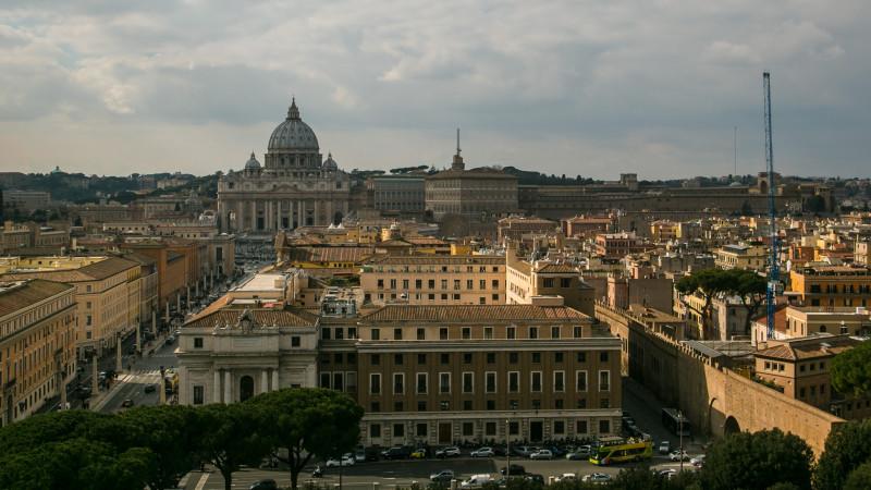 Blick auf Petersdom und Vatikan von der Engelsburg | © Andrea Krogmann