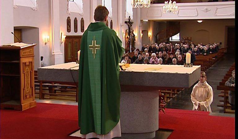 Priester | © Kirchliche Berufe