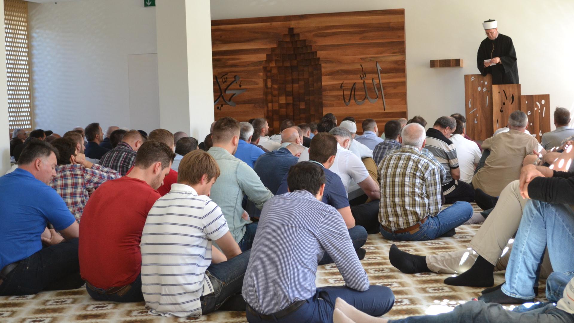 schlieren muslim Me 26022018 në schlieren-zurich u organizua seminar rreth llogaritjes së muajve të hënës sipas përllogaritjeve astronomike dhe kuptimi.
