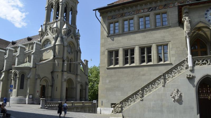 Berner Rathaus neben Kirche | © Regula Pfeifer