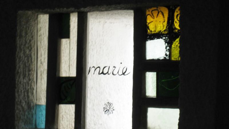 Wallfahrtskirche Ronchamp (F), Fenster | ©Sylvia Stam