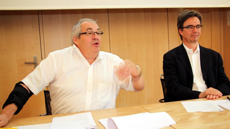 Der Präsident des Vereins Katholisches Medienzentrum, Odilo Noti (links), und Direktor Charles Martig an der GV in Zürich | © 2015 Hans Merrouche