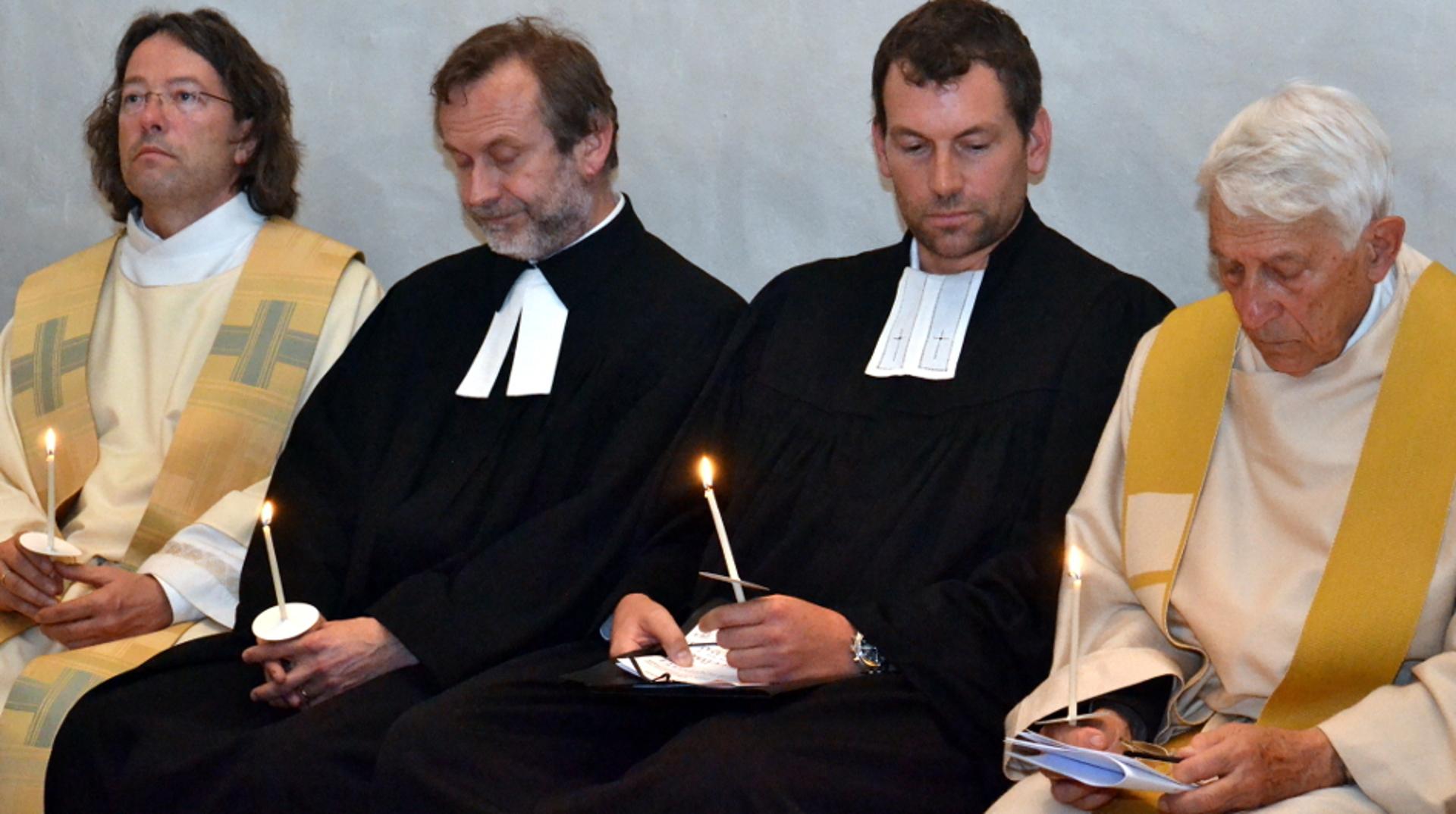 Priester Pfarrer