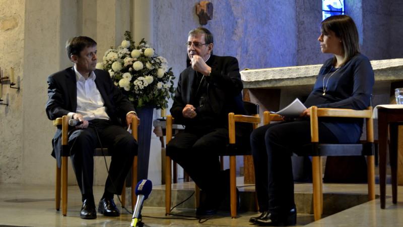 Kurt Koch (Mitte) auf dem Podium in Oberwil BL,13.11.15 | © Regula Pfeifer