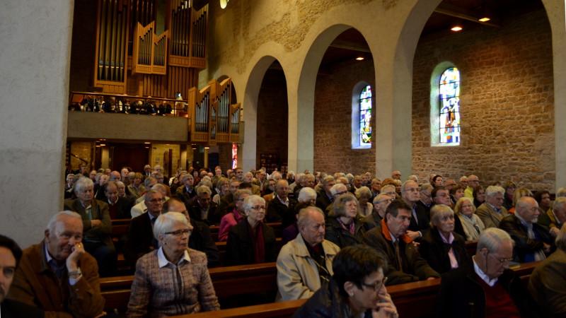 Katholische Kirche in Oberwil BL| © 2015 Regula Pfeifer
