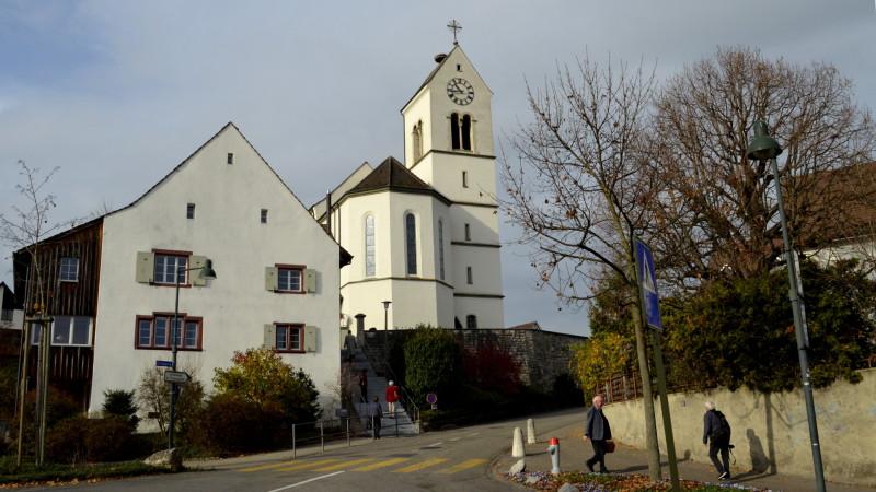 Die katholische Kirche Oberwil BL| © 2015 Regula Pfeifer