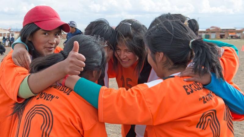 Jugendliche in einem Dorf in Bolivien. Projekt der Sternsinger 2016 | © zVg