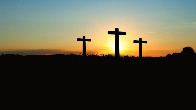 Kreuze im Sonnenuntergang | © pixabay CO0