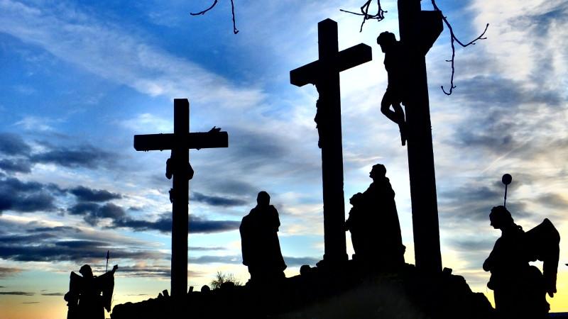 Kreuzigungsgruppe   © 2015 Burkard Vogt/pixelio.de