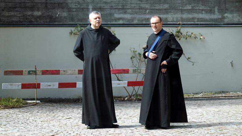 Abt Federer (rechts) anlässlich der «Salzburger Äbtekonferenz» im Lassalle-Haus | © 2016 Georges Scherrer