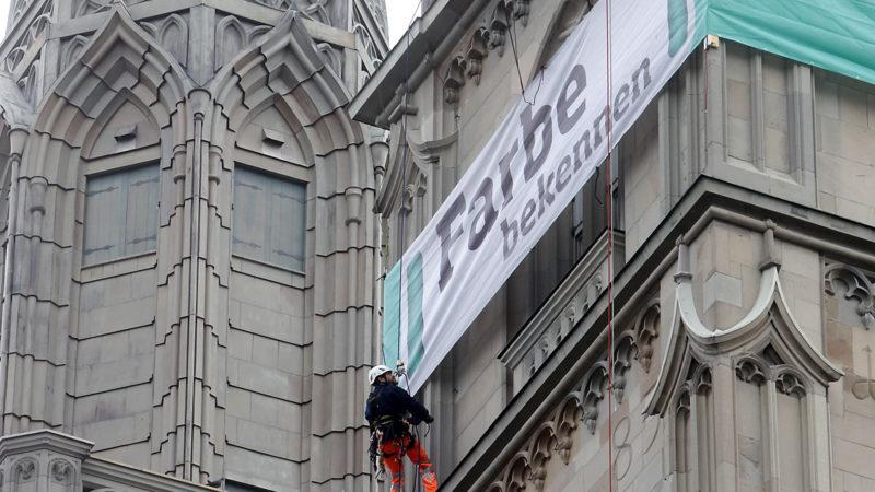 Farbe bekennen – Kampagnenstart am Grossmünster in Zürich | © 2016 Heks