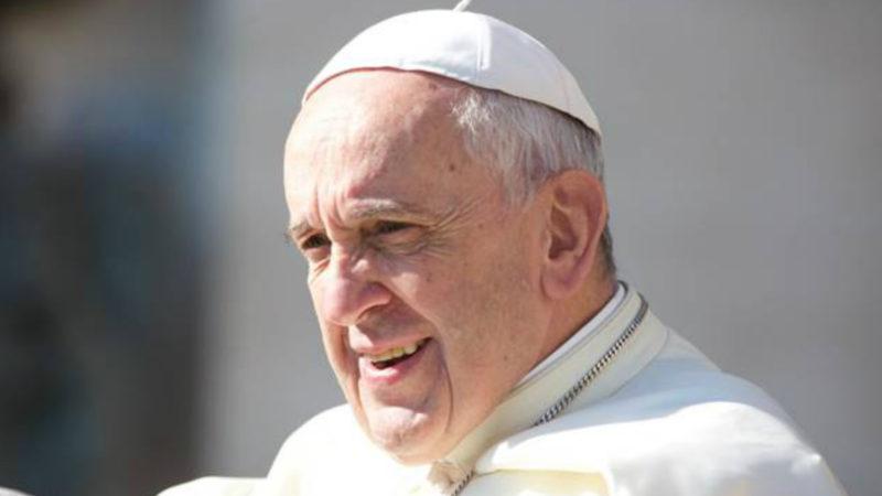 Papst Franziskus auf dem Petersplatz | © Oliver Sittel