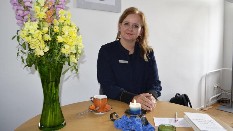 Psychiatrie-Seelsorgerin Sabine Zgraggen im Gespräch | © 2016 Regula Pfeifer