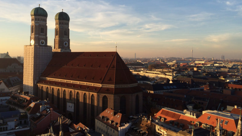 "München, Frauenkirche | © Tintenklex Poing  / <a href=""http://www.pixelio.de"" target=""_blank"">pixelio.de</a>"