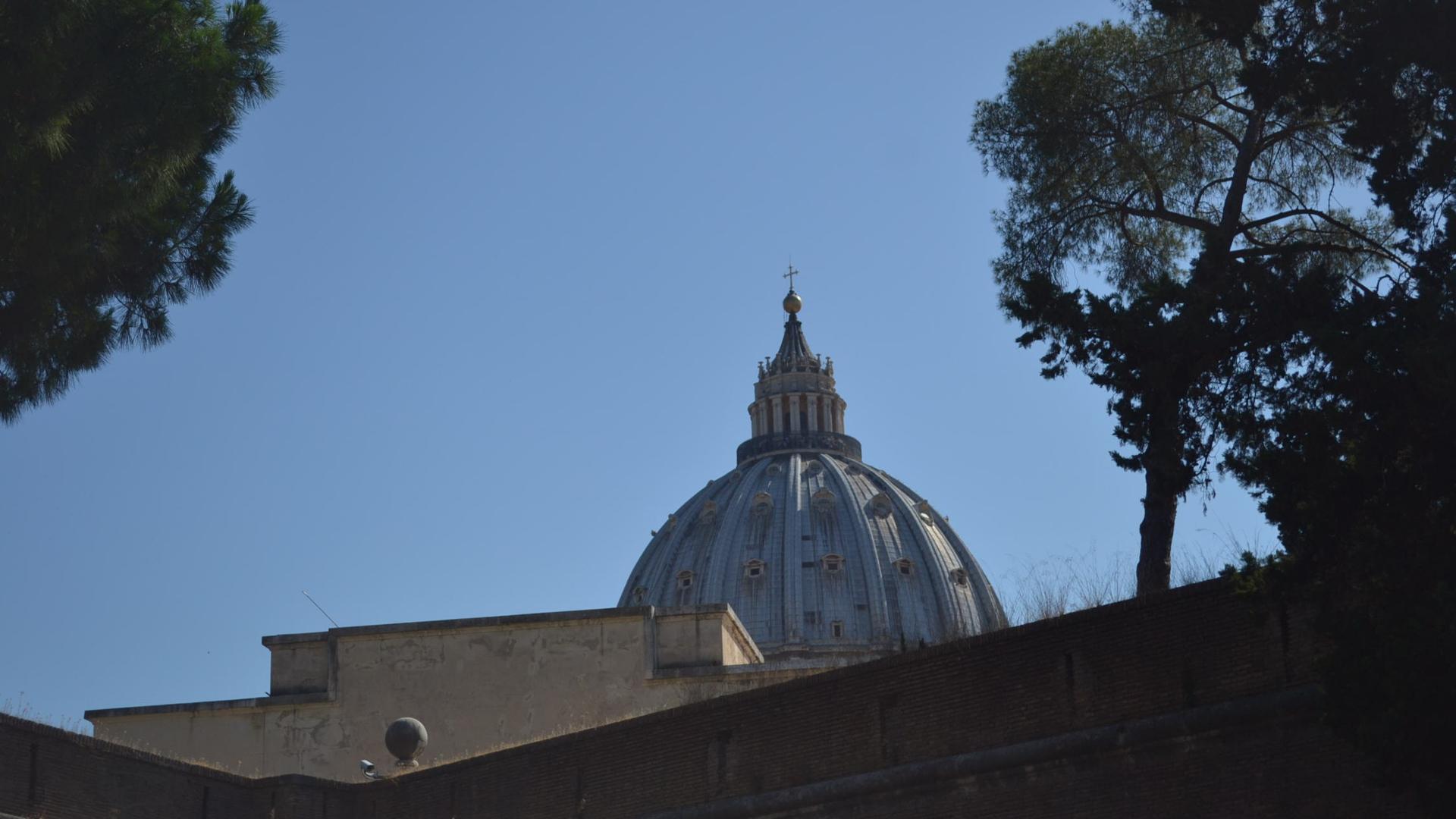 Nach Wirbel um Papstbrief tritt Vatikan-Mediendchef zurück