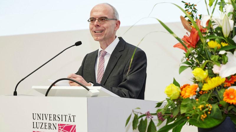 Martin Mark in einer Rede zur Diplomfeier | © Roberto Conciatori