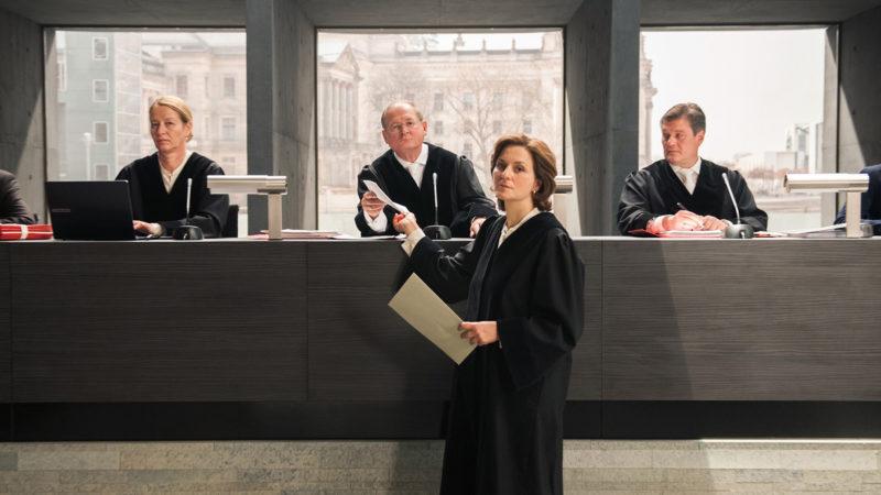 Filmausschnitt «Terror – Ihr Urteil»: Die Beweisaufnahme | © SRF/ARD Degeto/Moovie GmbH/Julia Terjung