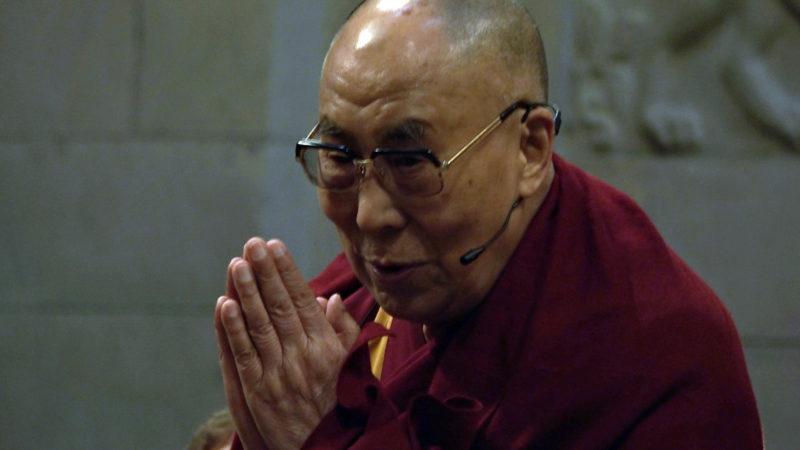 Der Dalai Lama im Zürcher Grossmünster | © Hans Merrouche