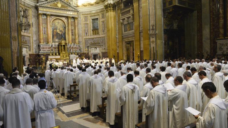 Gottesdienst der Jesuiten in der Mutterkirche des Ordens, «Il Gesu» in Rom | © kna