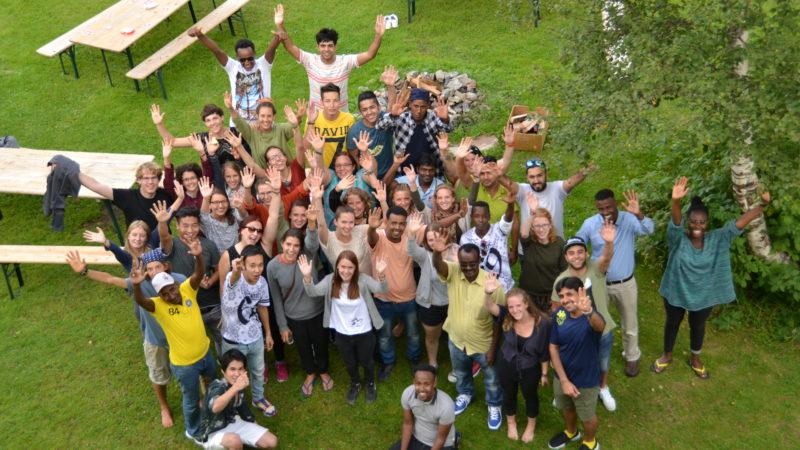 Jugendliche organsieren Freizeitaktivitäten für Asylsuchende | © Caritas Schweiz/zVg