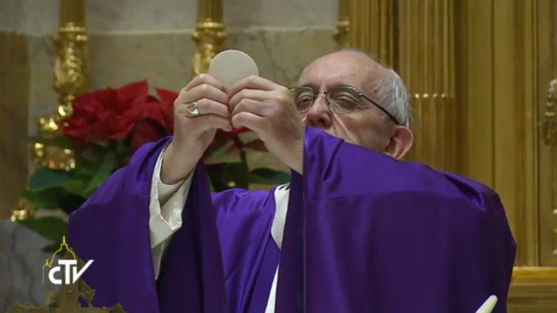Papst Franziskus feiert die Eucharistie an seinem Geburtstag | © Screenshoot CVT