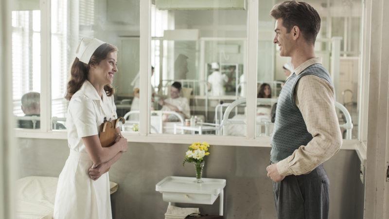 "Teresa Palmer und Andrew Garfield in ""Hacksaw Ridge"", Regie: Mel Gibson | © Impuls Pictures"