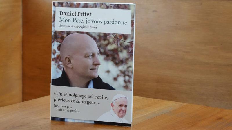 Enthüllungsbuch von Daniel Pittet | © Maurice Page