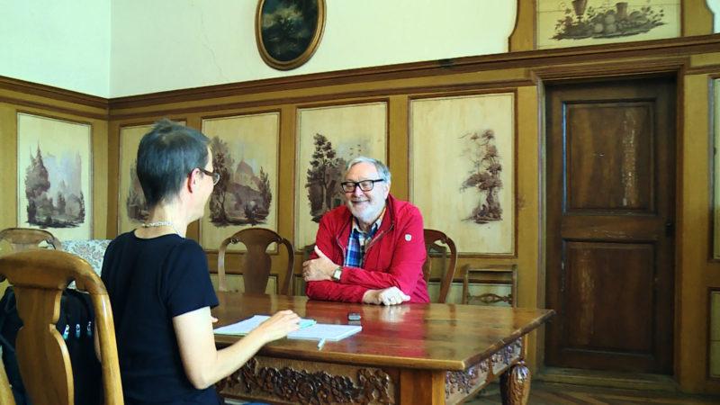 Gespräch im Kloster Einsiedeln: Das Interview mit Markus Bamert findet in einem kunstvollen Rahmen statt. | © Hans Merrouche