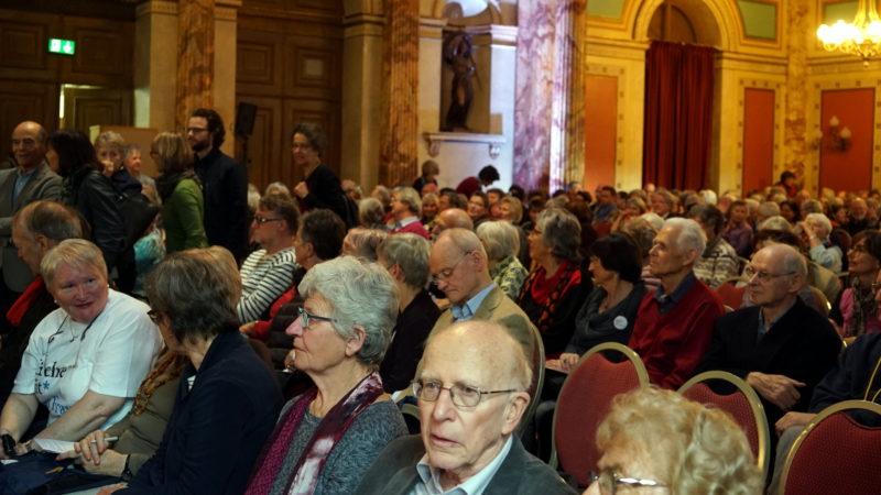 Grossaufmarsch im barocken Saal | © Herbert Haag Stiftung
