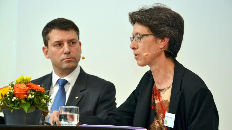 Die katholische Theologin Eva-Maria Faber und SEK-Ratspräsident Gottfried Locher | © Barbara Ludwig