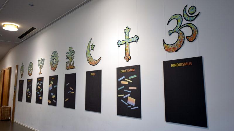 Religiöse Symbole, Haus der Religionen | © Barbara Fleischmann