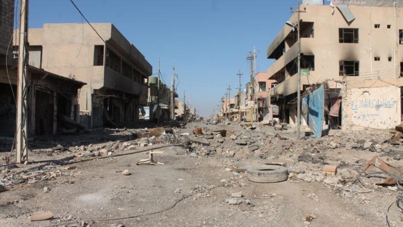Zerstörte Hauptstrasse in Karakosch, Irak | © Kirche in Not