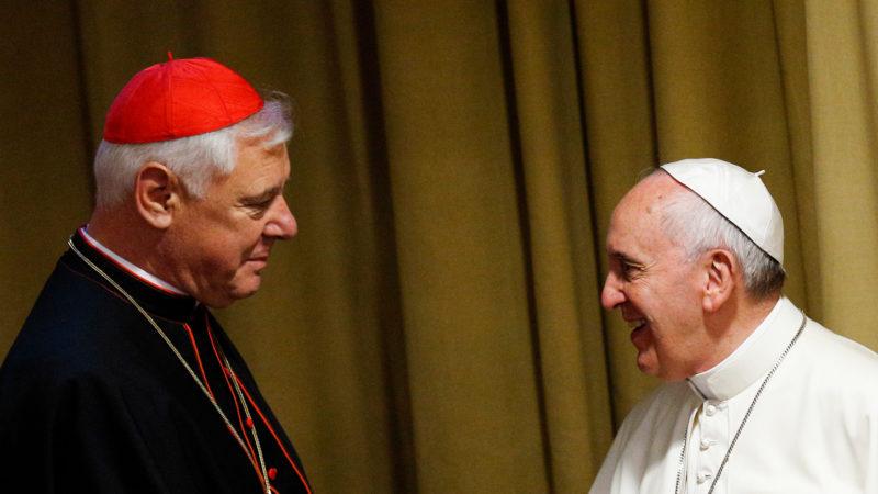 Kardinal Gerhard Ludwig Müller und Papst Franziskus im Jahr 2015 | © KNA