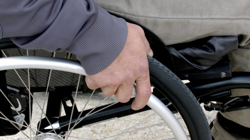 Rollstuhlfahrer | © pixabay/sgenet CCO