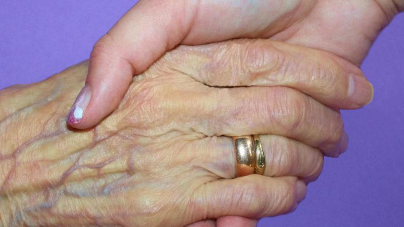 Helfende Hand  | © Rike / pixelio.de