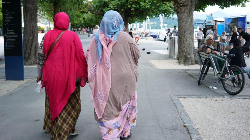 Arabische Touristinnen in der Schweiz. | © Vera Rüttimann