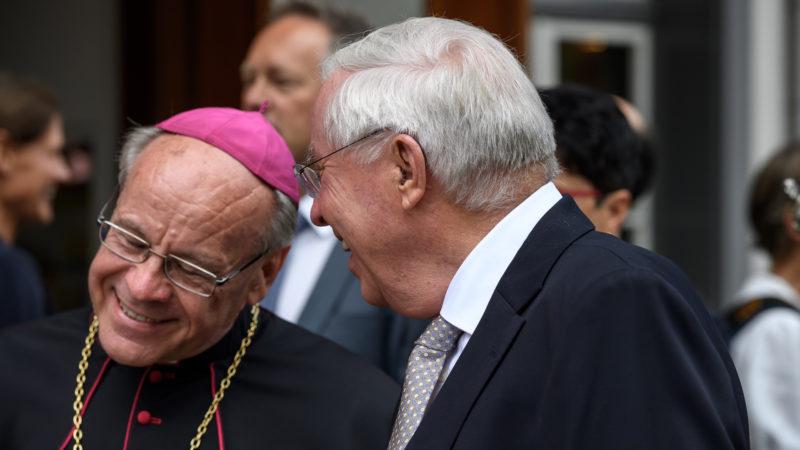 Die beiden Festredner Bischof Vitus Huonder, Christoph Blocher | © Jürg Frey