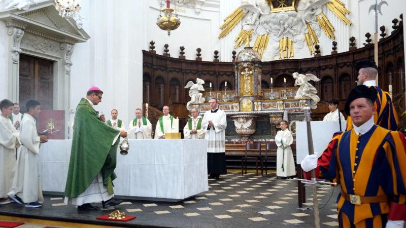 Schweizergarde-Gottesdienst mit Bischof Gmür in der Kathedrale Solothurn | © Vera Rüttimann