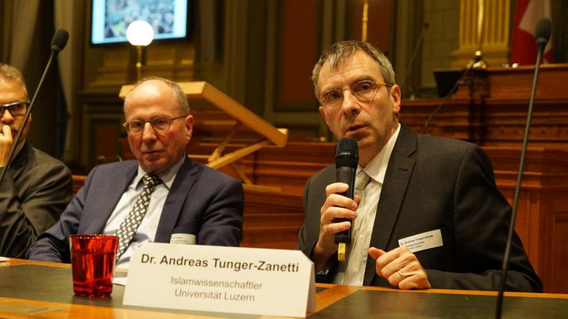 Der Luzerner Islamwissenschaftler Andreas Tunger-Zanetti (rechts) formuliert auch Erwartungen an die Muslime. | © Vera Rüttimann