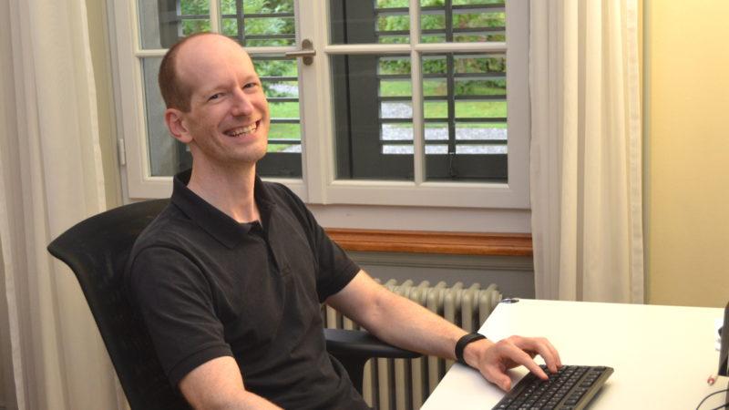 Philipp Ottiger in seinem Büro | © Sylvia Stam