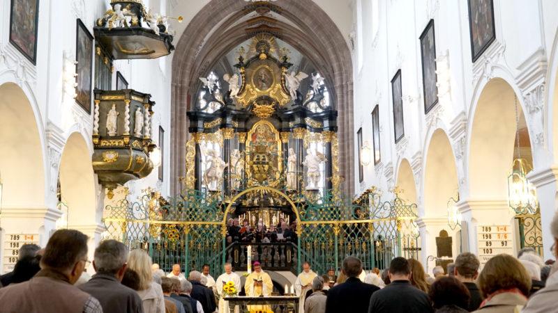 Gottesdienst im Verena-Münster in Zurzach mit Bischof Felix Gmür | © Vera Rüttimann
