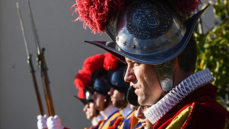 Ehrendelegation der Schweizergarde | © Alessandro Crinari, Bistum Lugano