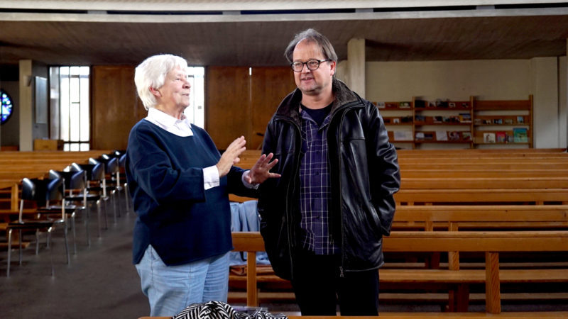 Maria Chiquet-Nussberger und Christoph Schneider bei einer Besprechung in der Franziskuskirche | © Vera Rüttimann