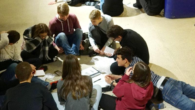 Jubla-Jugendliche bei Teamarbeit  | © Vera Rüttimann