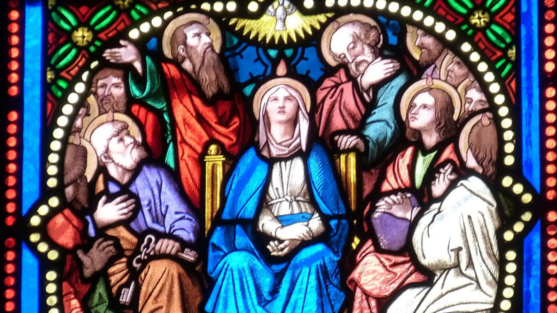 Pfingstereignis in einem Glasfenster | © pixabay falco CC0
