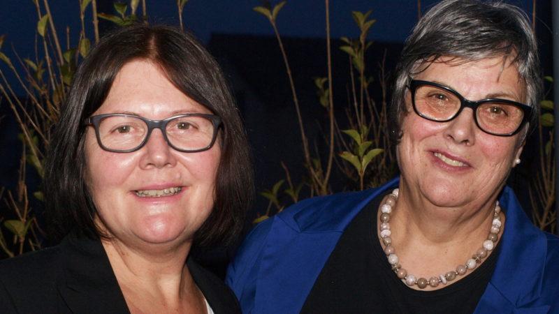 Rosmarie Günthör, links, und Ruth Grünenfelder: für einen reibungslosen Übergang des Beraterinnenwechsels | © zVg
