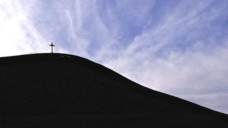 Kreuz am Berg  | © Oliver Sittel
